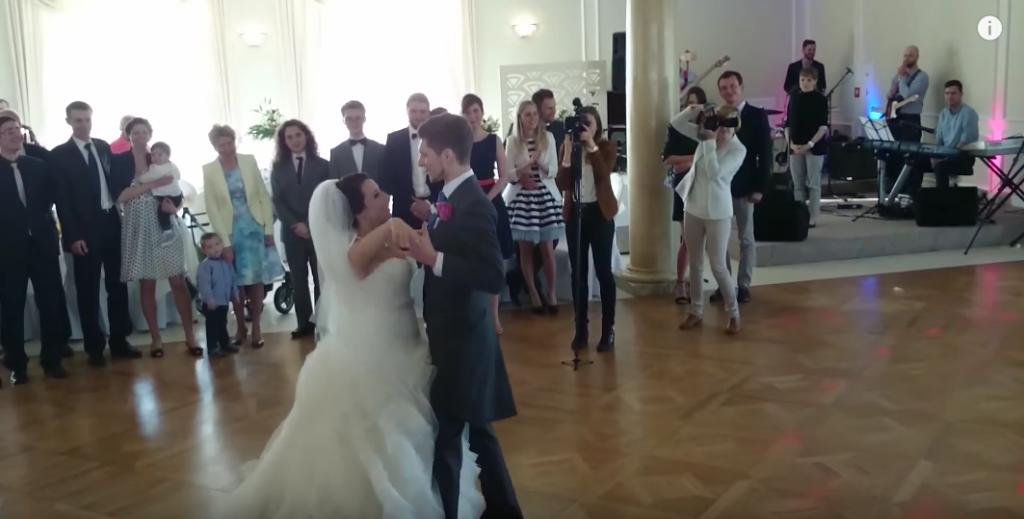 Para na Pierwszy Taniec Weselny